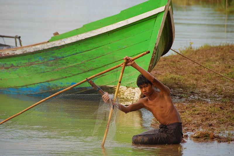 File:Fisherman in Myanmar.jpg