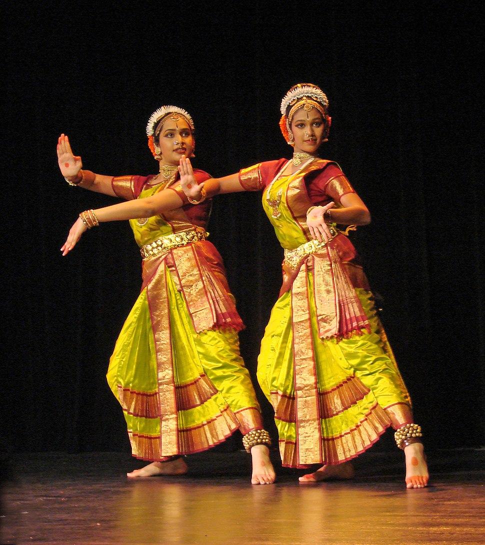 Flickr - dalbera - Danseuses de Kuchipudi (mus%C3%A9e Guimet).jpg