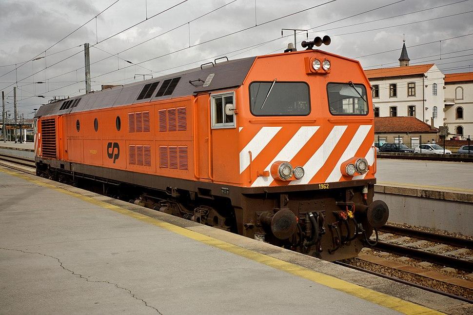 Flickr - nmorao - Locomotiva 1962, Estação de Campanhã, 2009.10.30