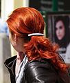 Frau mit langen roten Haaren Juni 2012.JPG