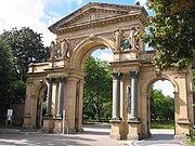 Eingangstor zum Freiburger Hauptfriedhof