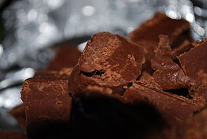 English: A picture of fudge, a chocolate flavo...