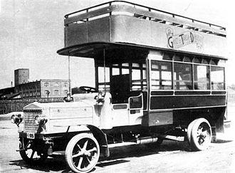 Ganz Works - Photograph of a Ganz bus in 1914, It was published in Vasárnapi Újság in 1916