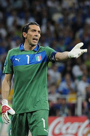 Gianluigi Buffon Euro 2012 final 02.jpg