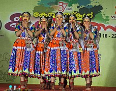 Group dance HSS3.jpg