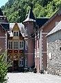 Guchen, cour du Château Rolland.jpg