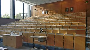 Hörsaalzentrum Chemie - Hörsaal West 03.jpg