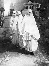 les femmes en sous vêtements gif workopolis reunions fiorenzuola