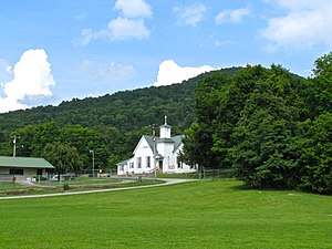 Crab Orchard, Tennessee - Haley's Grove Baptist Church in Crab Orchard