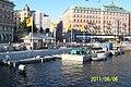 Hamnarbeten vid Strömkajen mot Kungsträdgården, en mycket varm måndagkväll, Sveriges Nationaldag - panoramio.jpg