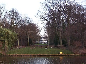 Hartekamp - View of Hartekamp from the 'Leidse trekvaart' or Leiden-Haarlem canal.