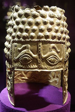 Timeline of Romanian history - Image: Helmet of Cotofenesti Front Large by Radu Oltean