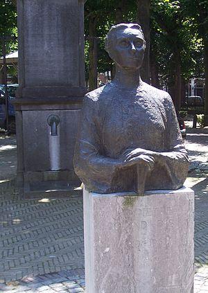 Henriette Roland Holst - Bust of Henriette Roland Holst at the Lindenplein, Noordwijk