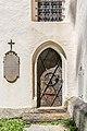 Hermagor Egg katholische Pfarrkirche hl Michael Süd-Portal und Grabstein 08062017 9222.jpg
