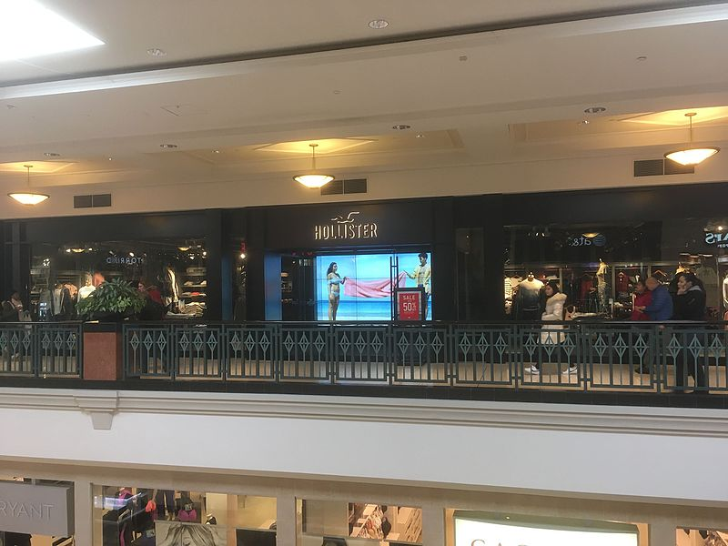 File:Hollister King of Prussia Mall.jpg
