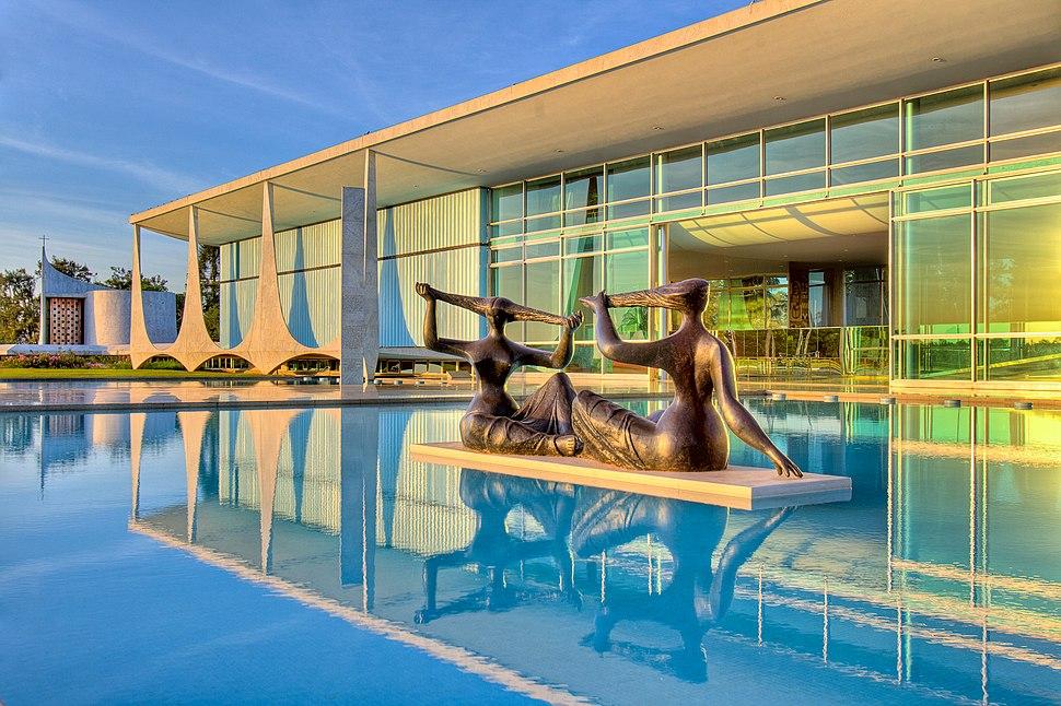 Homologação do tombamento de obras do Niemeyer (34321040524)