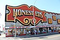 Honest Ed's (6058327591).jpg