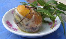Balut servito al piatto
