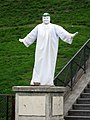 Human Statue Poses in Montmartre, Paris.jpg