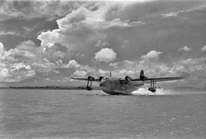 1939 Imperial Airways flying boat ditching - A Short S.23 Empire flying boat similar the aircraft that ditched and sank.