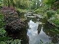 Il laghetto delle ninfèe nel giardino della casa di Monet - panoramio.jpg
