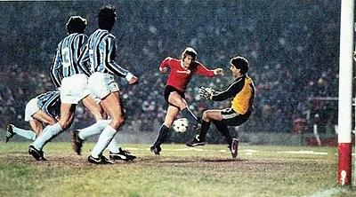 f4cdc59b26 Grêmio vs. Independiente pela final da Copa Libertadores da América de  1984. O Grêmio esteve perto de conquistar o bi-campeonato mas não conseguiu  superar o ...