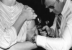 1976, İnfluenza Aşılaması