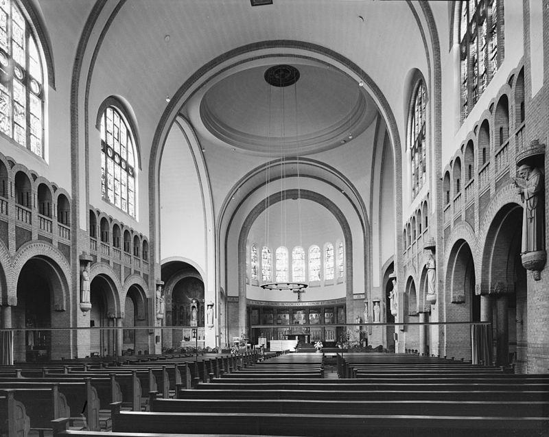 R k kerk hh laurentius en elizabeth met pastorie en for Hartman interieur rotterdam