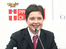 Isabella Rossellini - at the 2005 Torino Film Festival.jpg
