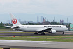 Japan Airlines, B767-300, JA8986 (18411368100).jpg