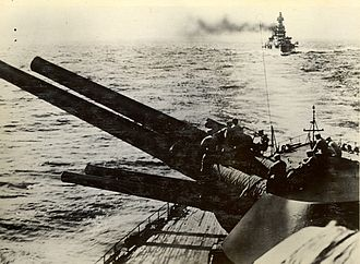 Kantai Kessen - Japanese battleships in line astern formation.