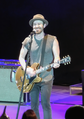 Jason Wade with Lifehouse performing at the 2019 Alameda County Fair (Quintin Soloviev).png