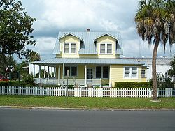Jeffries house zephyrhills side01.jpg