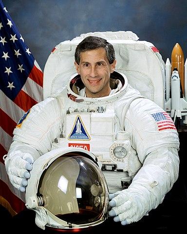 Astronaut Jay Apt, NASA photo (31 May 1995) Source: Wikipedia (spaceflight.nasa.gov killed 25 Feb 2021) 384px-Jerome_Apt.jpg