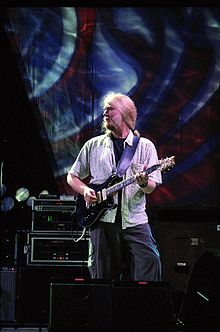Herring performing with The Dead at the Virginia Beach Amphitheater on June 17, 2003