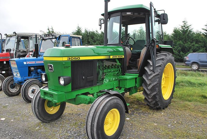 Datei:John Deere 3050 in Ireland 1.jpg