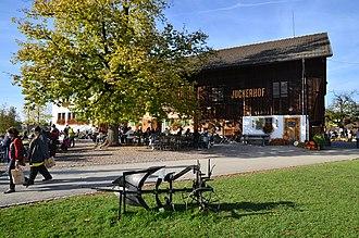 Jucker Farm - Juckerhof farm and restaurant in Seegräben