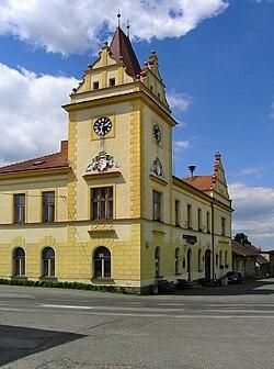 Křivsoudov, town hall.jpg
