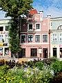 Kamienica w Puck na tle zieleni - Plac Wolności 28.jpg