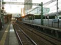 Keikyu-railway-main-line-Keikyu-shin-koyasu-station-platform.jpg