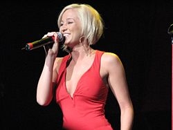 Kellie Pickler in un concerto