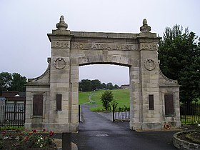 Kilbirnie War Memorial - geograph.org.uk - 35964.jpg
