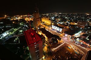 किन्शासा: Kinshasa by night (23769991270)