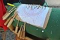 Klöppelmuster auf einem Klöppelsack mit Klöppel...IMG 3657WI.jpg