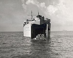 LST-980-unloads-an-LVT
