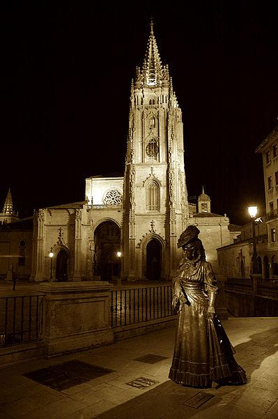 Intercambio cultural - Página 4 399px-La-Regenta-y-Catedral