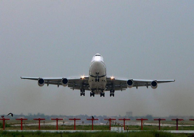 Lahore-PIA-747-TakeOff-80375.JPG
