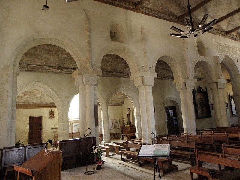 Élévation sud de la nef de l'église Saint-Pierre-et-Saint-Paul de Langonnet (56).