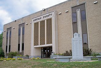 Lincoln County, West Virginia - Image: Lincoln County Courthouse West Virginia