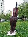 Liptovsky Mikulas Drevo-skulptura a vandali.jpg